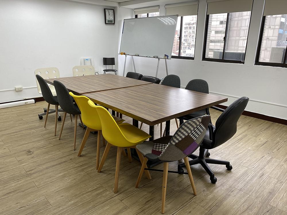 中型會議室圖片